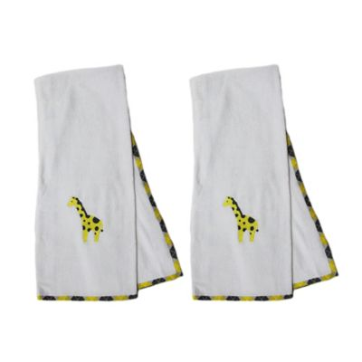 Pam Grace Creations Argyle Giraffe Bath Towel (Set of 2)