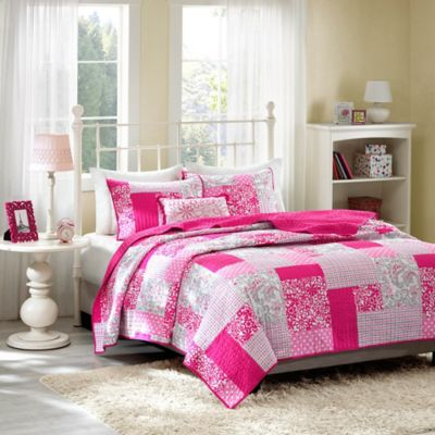 Pink Quilts and Bedding