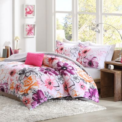 Olivia Reversible Full/Queen Comforter Set in Pink