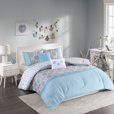 Clara Reversible Full/Queen Comforter Set in Blue