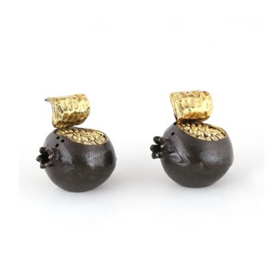 Classic Touch Tervy Pomegranate Salt and Pepper Set in Black/Gold
