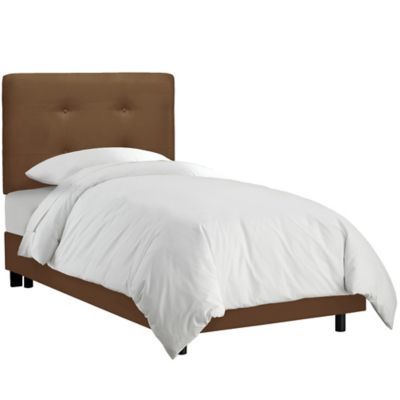 Skyline Furniture Tufted Queen Bed in Premier Chocolate