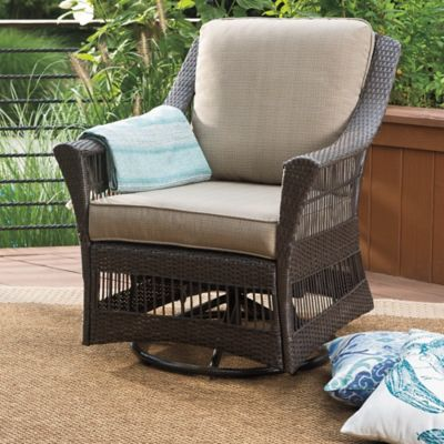 Savannah Wicker Swivel Chair in Sand