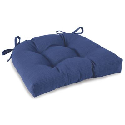 Outdoor Tufted Cushion with Ties in Pool