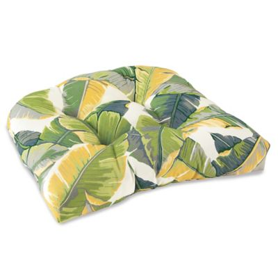 Outdoor Tufted Cushion in Large Leaves