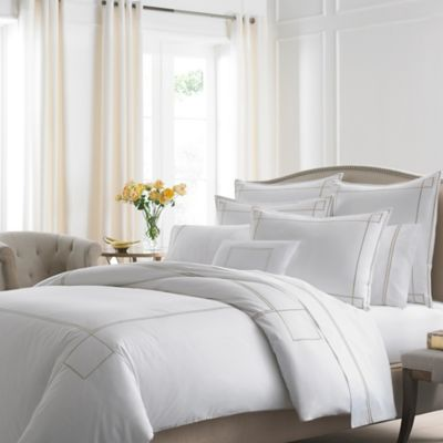 Kassatex Lucca Queen Duvet Cover in White/Champagne