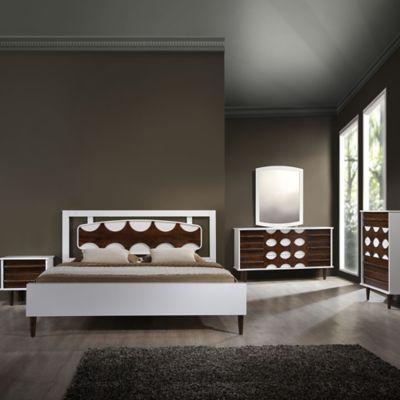 Zuo® Seattle Queen Bedroom Set in Walnut/White