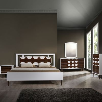 Zuo® Seattle King Bedroom Set in Walnut/White