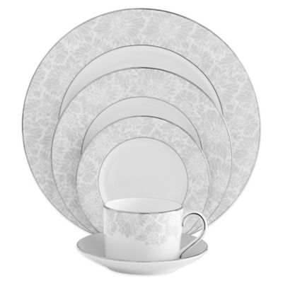 Vera Wang Wedgwood® Vera Chantilly Lace 5-Piece Place Setting in Grey
