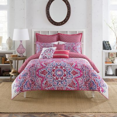 Anthology™ Kaya Reversible King Comforter Set in Berry