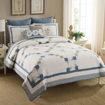 Crystal King Quilt in Blue