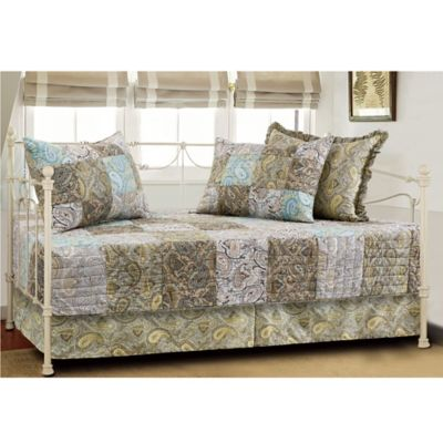 Vintage Paisley Quilted Reversible Daybed Set in Multi