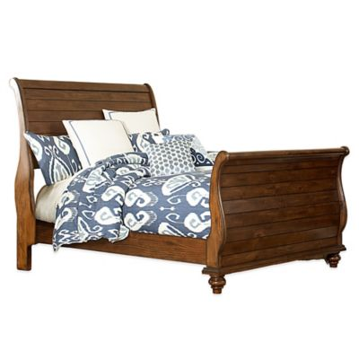Hillsdale Pine Island Queen Sleigh Bed with Rails in Dark Pine