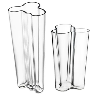 Iittala Alvar Aalto 10-Inch Finlandia Vase in Clear