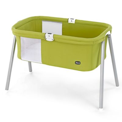 Chicco® LullaGo™ Portable Bassinet in Pistachio