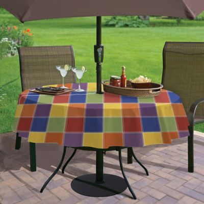 Summer Check 70-Inch Round Umbrella Vinyl Tablecloth