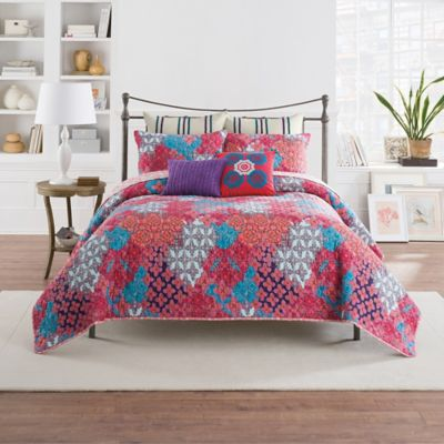 Anthology™ Minka Reversible Full/Queen Quilt in Fuchsia