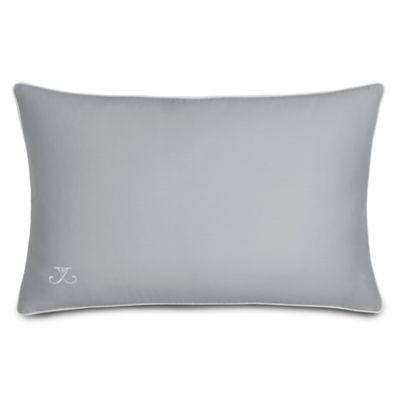 Quatrefoil Oblong Throw Pillow in Grey