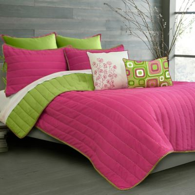 Laurel Ultra Soft Reversible Twin Quilt Set in Fuchsia/Lime