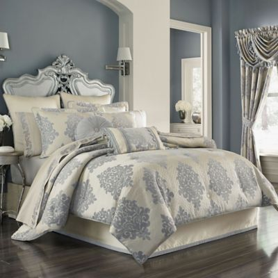 J. Queen New York™ Dante King Comforter Set in Cream