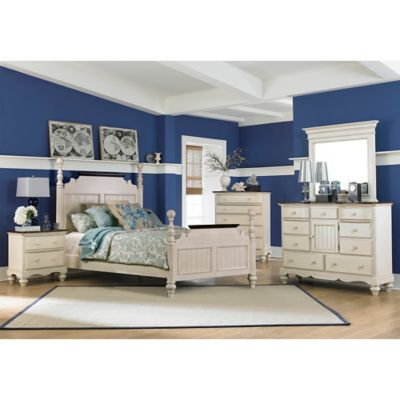 Hillsdale Pine Island 4-Piece King Post Bedroom Set in Old White