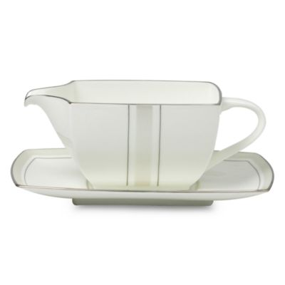 Platinum Matrix Gravy Boat with Stand