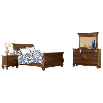Hillsdale Pine Island 4-Piece King Sleigh Bedroom Set in Dark Pine