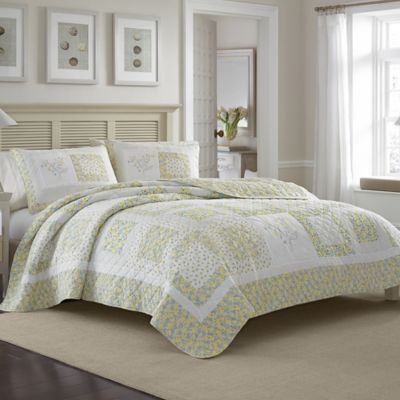 Laura Ashley® Elyse Full/Queen Quilt in Green