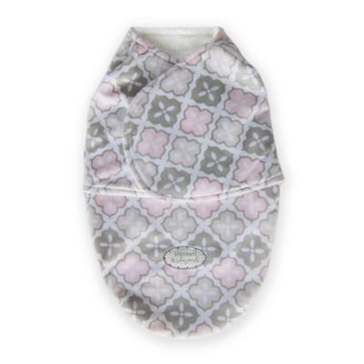 Blankets & Beyond Size 3-6M Super Plush Printed Swaddle in Pink/Grey