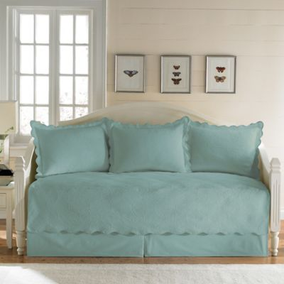 Coventry Matelassé Daybed Bedding Set in Aqua