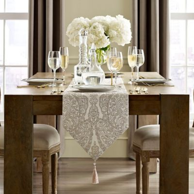 J. Queen New York Table Linens