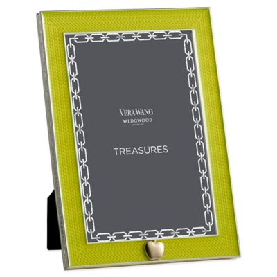 Vera Wang Wedgwood® Treasures with Love 4-Inch x 6-Inch Apple Frame in Green