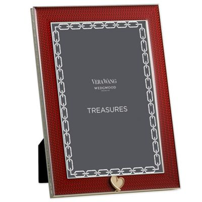 Vera Wang Wedgwood® Treasures with Love 4-Inch x 6-Inch Heart Frame in Red