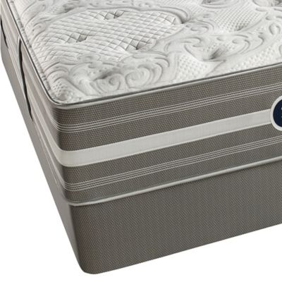 Beautyrest® World Class® Heritage Pines Luxury Firm Queen Mattress Set