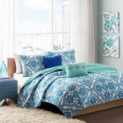 Intelligent Design Lionna 4-Piece Twin/Twin XL Coverlet Set in Blue