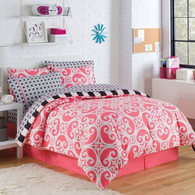 Kennedy 8-Piece Reversible Full/Queen Comforter Set in Coral