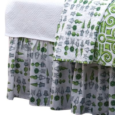 Boxwood Abby Queen Bed Skirt in Green/White