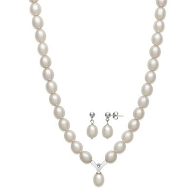 Sterling Silver Freshwater Cultured Pearl and .01 cttw Diamond 2-Piece Necklace and Earring Set