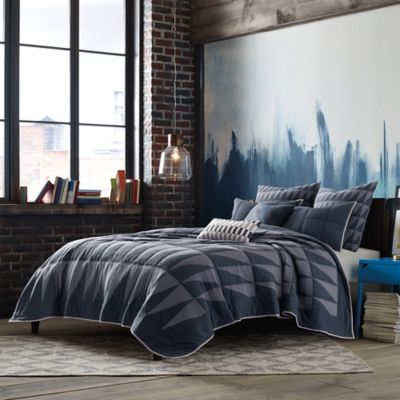 Studio 3B™ by Kyle Schuneman Atticus Twin Quilt in Navy