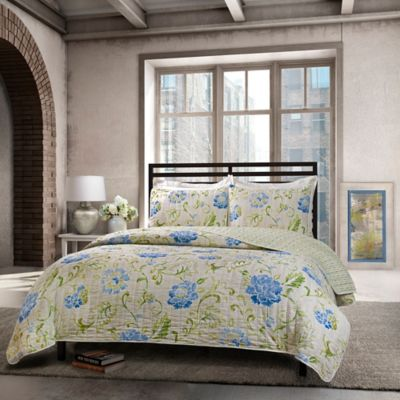 Armandine King Quilt Set in Blue
