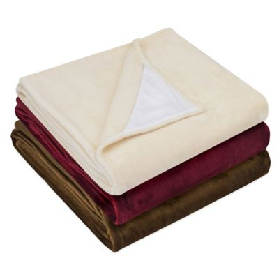 Ultra Plush Throw Blanket with Built-In Smart Device Cleaning Cloth in Wine