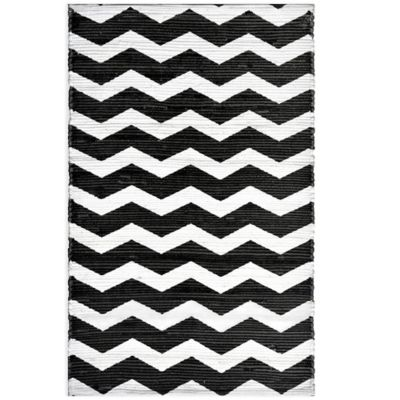 Anthology™ Chindi Dhuri Chevron 2-Foot 3-Inch x 3-Foot 9-Inch Rug in Grey