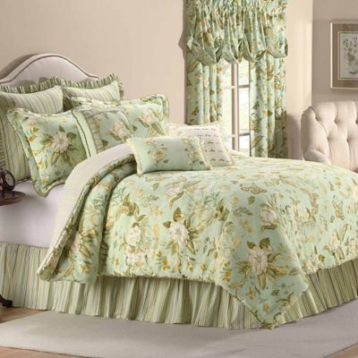 Williamsburg Grandiflora Reversible Full Comforter Set in Glacier