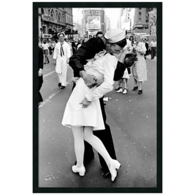 Alfred Eisenstaedt Kissing on VJ Day Times in Square Framed Wall Art