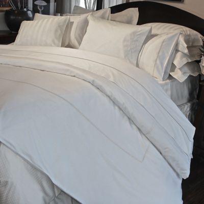 Versai Claudia Queen Duvet Cover in White