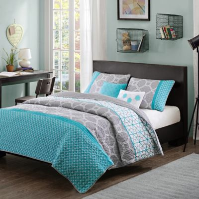 Intelligent Design Clara Full/Queen Coverlet Set