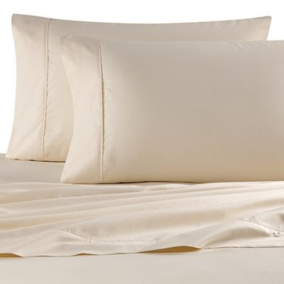Wamsutta® 620-Thread-Count Egyptian Cotton Queen Sheet Set in Ivory Dot