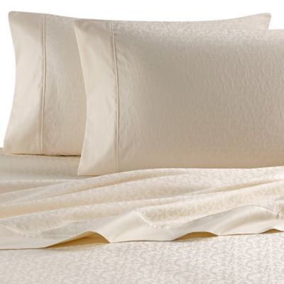 Wamsutta® 620-Thread-Count Egyptian Cotton Jacquard Queen Sheet Set in White Vine