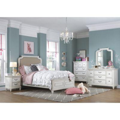Pulaski Madison 5-Piece Twin Bedroom Set in Antique White