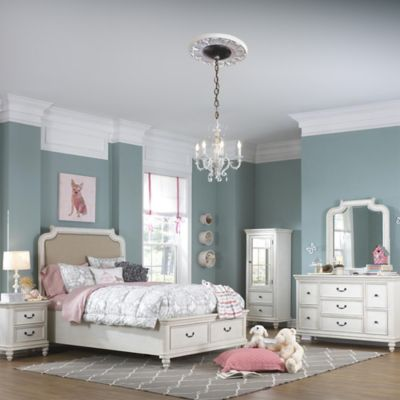 Pulaski Madison 5-Piece Full Bedroom Set in Antique White